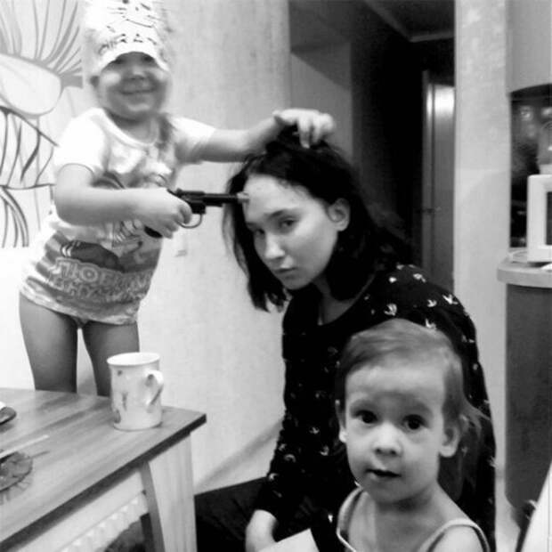 16 фотографий, которые наглядно демонстрируют нелегкую жизнь родителей