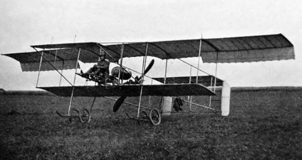 Как первые русские военные летчики над кавалерией издевались