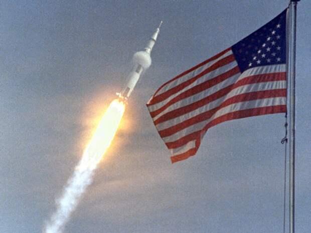 В США запустили ракету-носитель с тремя спутниками