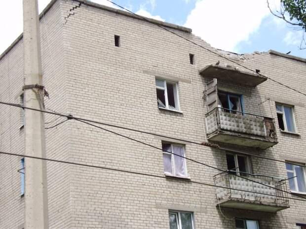ул.Фрунзе,4 со сторонв проезжей части (обстрел со стороны Карачуна)
