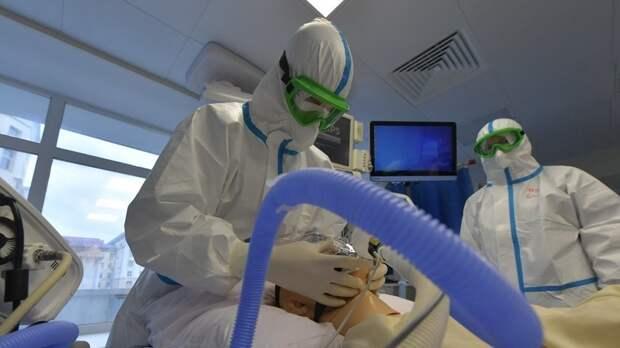 Китай направил в Россию медиков для помощи в борьбе скоронавирусом