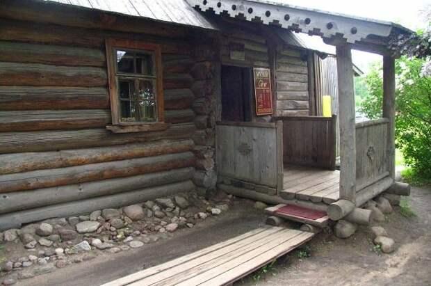 Дом няни Александра Пушкина, вход в музей. Фото: Commons.wikimedia.org