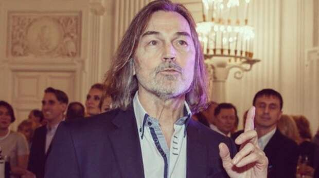 Никас Сафронов заступился за Елену Проклову на фоне громкого скандала