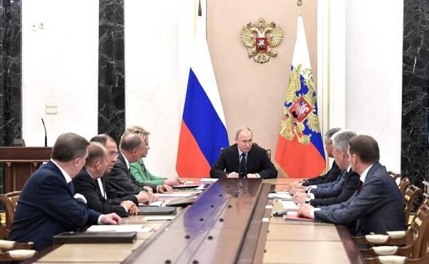 Совет Безопасности России обсудил политический кризис в Грузии, другие острые мировые и внутренние проблемы