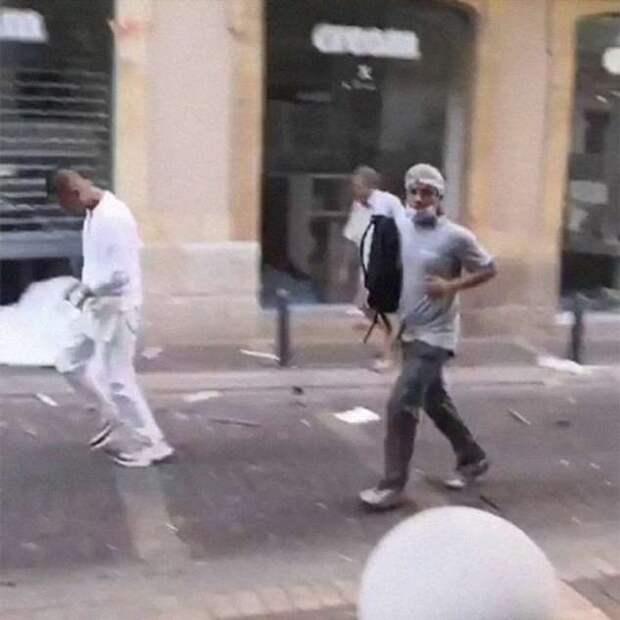 Момент взрыва в Бейруте случайно зафиксировался на видео