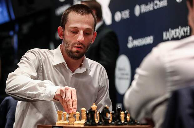 «Комсомолка» обыграла шахматистов в белот