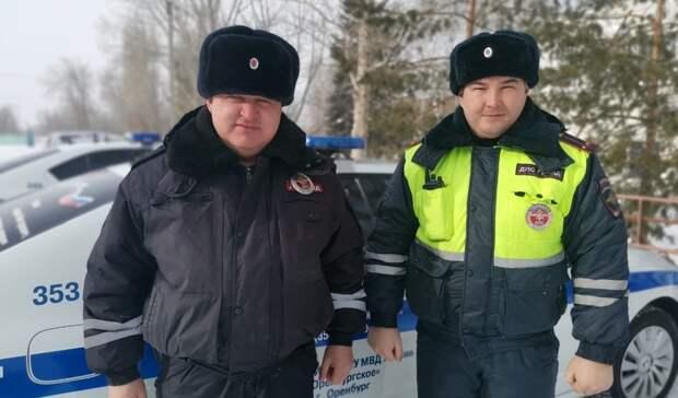 Натрассе Оренбург— Самара всломанном автобусе чуть незамерзли люди