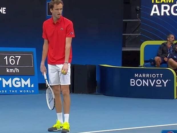 Российский теннисист Медведев не прошел в полуфинал Roland Garros