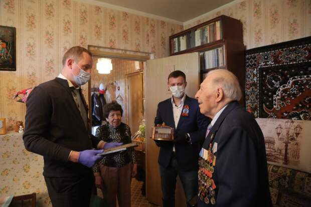 Ветераны из Бабушкинского и Лосинки рассказали о войне на встрече с префектом СВАО