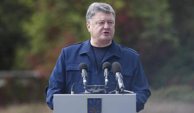 Порошенко заявил об агентах КГБ в армии Украины