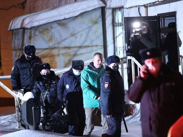 Появились фотографии колонии, в которую этапировали Навального