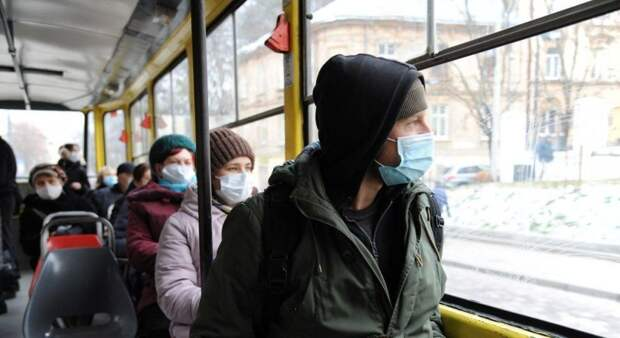 Выжить любой ценой: на Украине набирает популярность «вакцинный туризм»