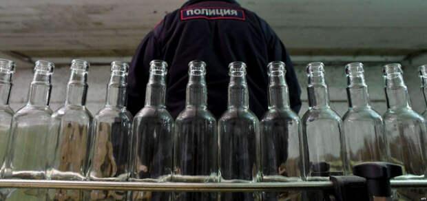 Жители Апшеронска попались на торговле нелегального алкоголя