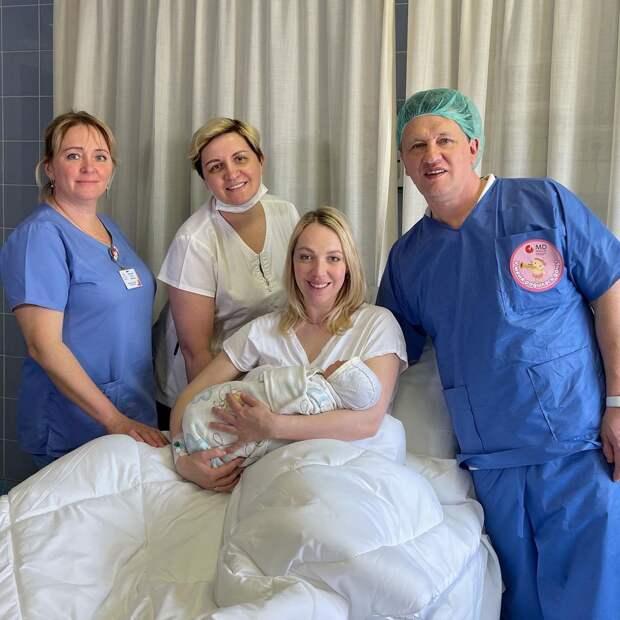 36-летняя Галина Боб родила третьего ребенка