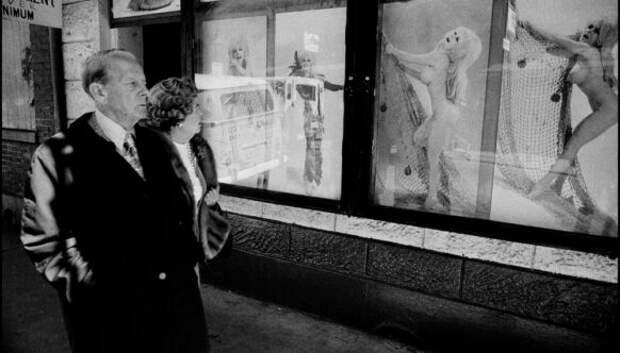 «Брось нам что-нибудь!»: Марди Гра в Новом Орлеане на снимках Брюса Гилдена