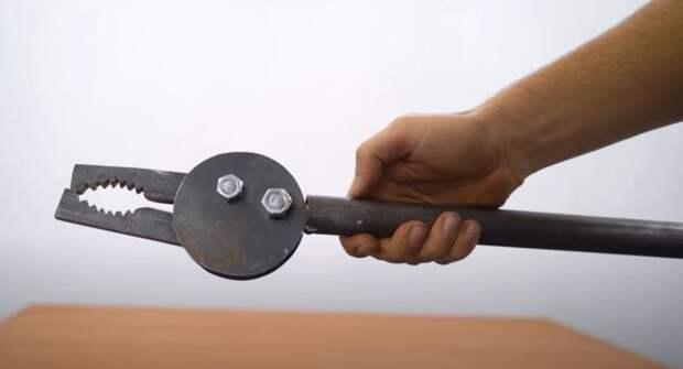 Трубный ключ из шестеренок: для работы с круглыми трубами