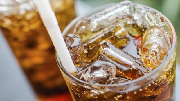 Диетолог назвала напитки, ускоряющие старение