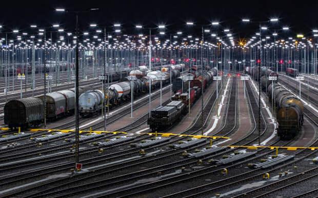 Первый грузовой поезд пройдет по Крымскому мосту 30 июня
