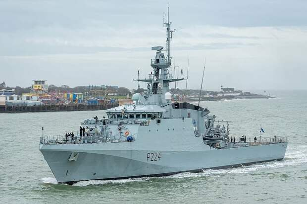 Британский патрульный корабль вошёл вЧёрное море (ВИДЕО)