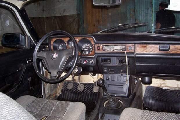 3 автомобиля советской элиты, которые сейчас стоят дешевле 100.000 рублей