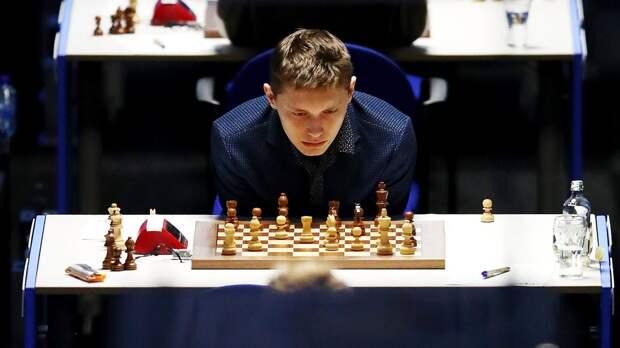 Юный шахматист из России уничтожил чемпиона мира: видео