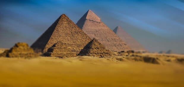 Гипотеза: Пирамиды строились как убежища от метеоритов?