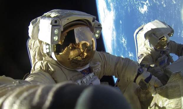 Космонавт рассказал о правилах подготовки туриста к выходу в открытый космос