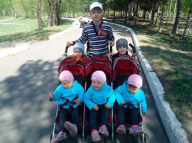 После смерти жены он в одиночку растил 6 детей. Только взгляните, КАК его отблагодарила судьба!