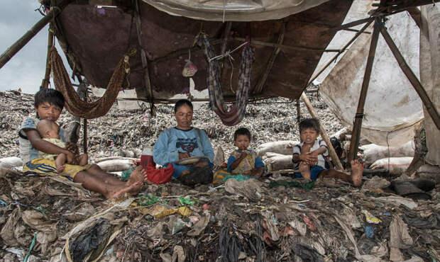 «Мерзкий мир»: как 3000 семей сдетьми живут наогромной свалке