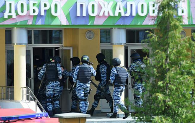 Стали известны подробности стрельбы в школе в Казани