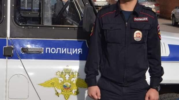 Полицейских приставили кторговцам нарынке встаром аэропорту Ростова