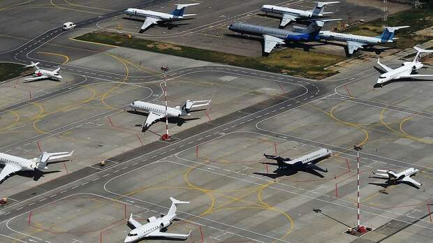После уточнений ноябрьские авиаперевозки выросли на 14%