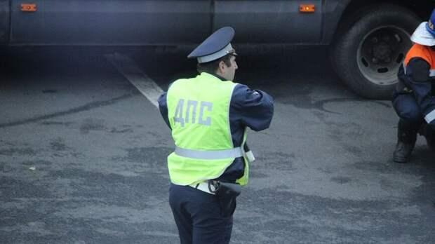 Автобус ПАЗ и тягач столкнулись на трассе под Норильском