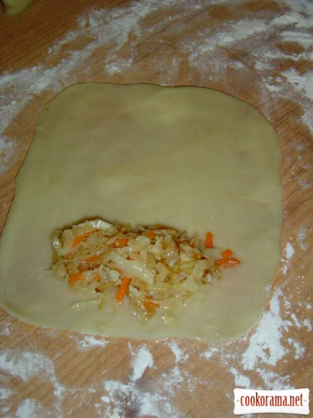 Рецепт на выходные. Молдавские пирожки с капустой - ВЭРЗЭРЕ