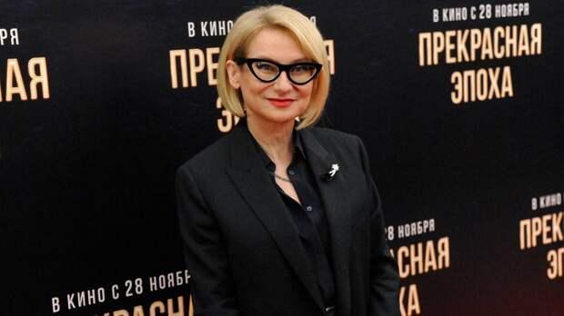 Эвелина Хромченко дала женщинам старше 50 лет советы в подборе верхней одежды