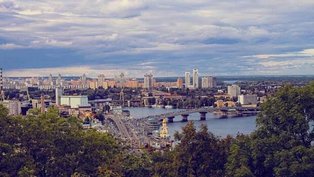 Украинцам напомнили о штрафах за советскую символику в преддверии 9 Мая