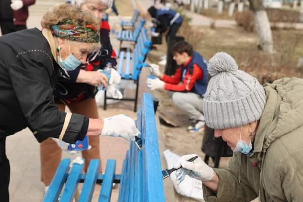 Активисты движения «Дзержинск и мы» провели субботник на Площади Героев
