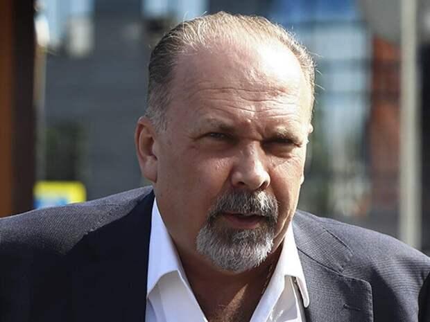 Суд закрыл уголовное дело в отношении экс-главы Минстроя Михаила Меня