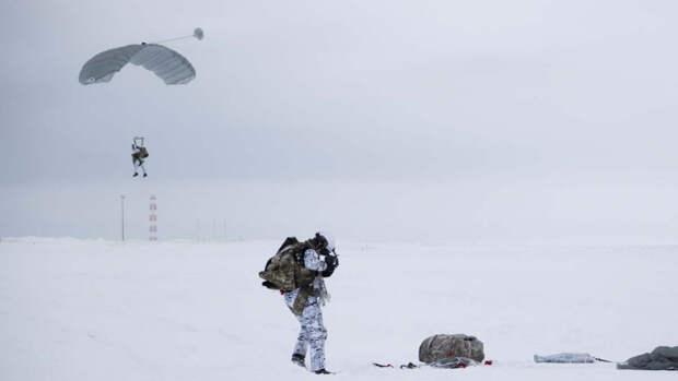 В Канаде боятся проиграть России в ООН в споре за природные богатства Арктики