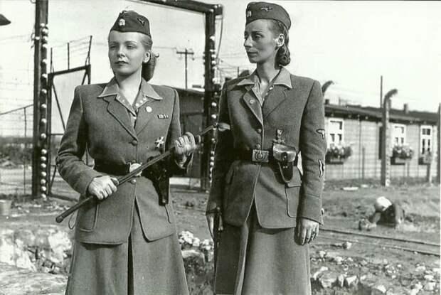 Охрана концентрационного лагеря Аушвиц около города Освенцим.