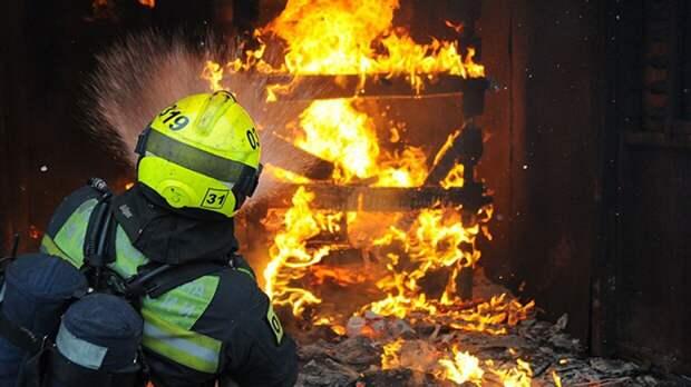 Пожар в привокзальной бытовке в Москве унес жизни двух человек