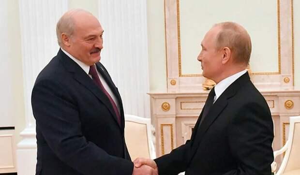 Политолог Карбалевич объяснил долгие переговоры Путина и Лукашенко: обсуждали проект Конституции Белоруссии