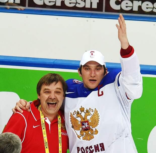 Овечкин от злости ломал шлем своему вратарю и просился в сборную у Быкова и Знарка. Как Ови врывался на прошлые ЧМ