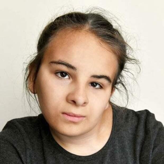 Таня Баньщикова, 14 лет, врожденная аномалия развития позвоночника, спасет операция, 545922₽