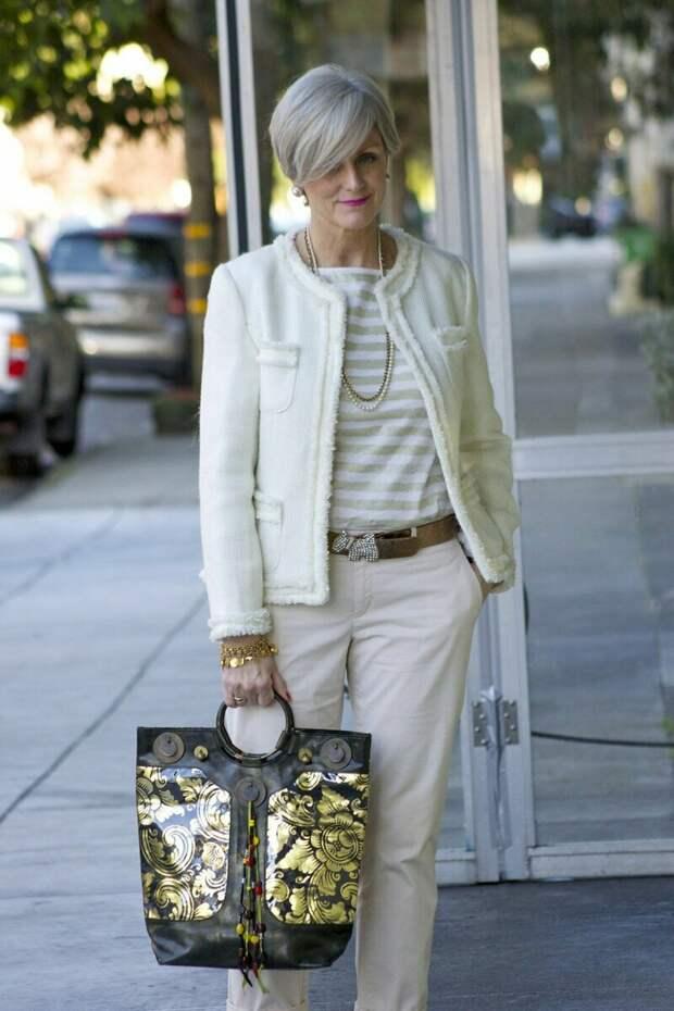 Чем мы старше, тем элегантнее должны быть наши наряды