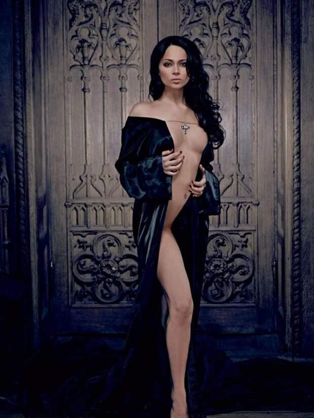 Вампирическая фотосессия Настасьи Самбурской