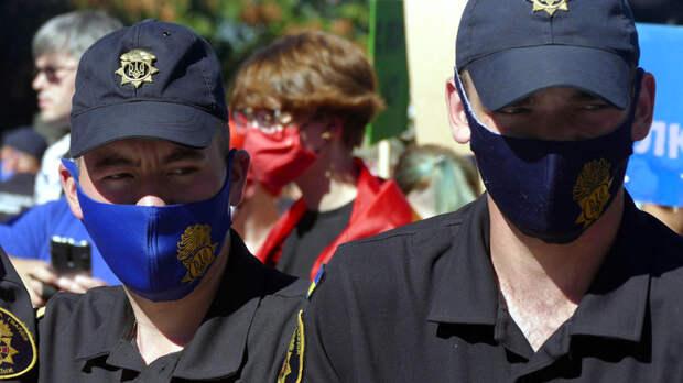 Националисты напали на женщину в Одессе: Полиция решила помочь радикалам