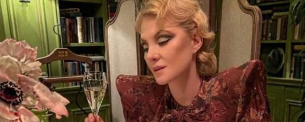 54-летняя Рената Литвинова показала фото без макияжа