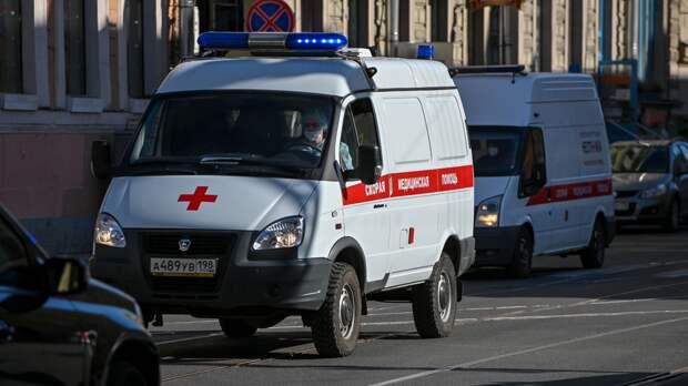Петербургский подросток попал в отделение нейрохирургии после падения в школе