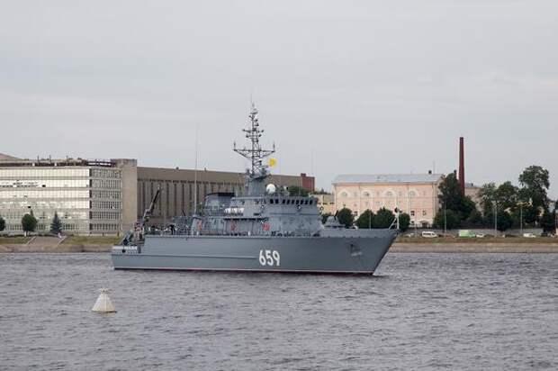 Версия Avia.pro: испытания американской ПРО на Гавайях могли провалиться из-за РЭБ-атаки российского корабля «Карелия»